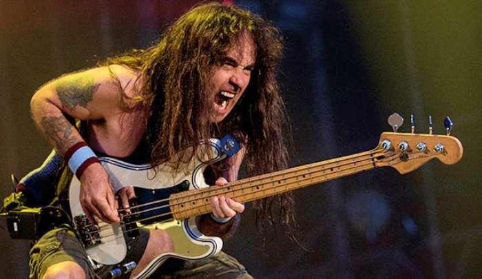 Steve-Harris-Favorite-Iron-Maiden-Bass-Lines